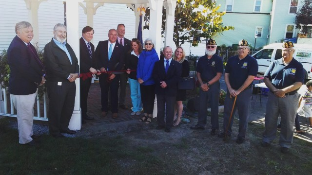 Gazebo ribbon cutting 9-29-17